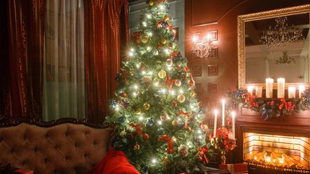 Christmas in the Cotswolds (photo: Malkovstock, Getty Images)