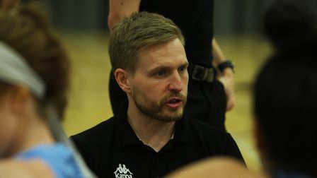 Oaklands Wolves WBBL head coach Lee Ryan