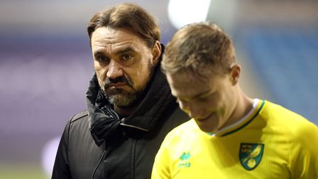 Norwich Head Coach Daniel Farke and Oliver Skipp of Norwich at the end of the Sky Bet Championship m