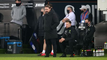 Norwich City Head Coach Daniel Farke on the touchline during the Sky Bet Championship match at the L
