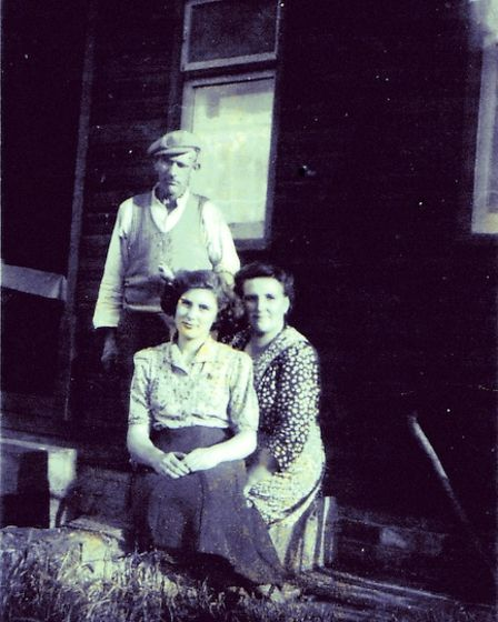 Alfred, Mabel and Audrey Tungate at Darlow Cottage in 1954.