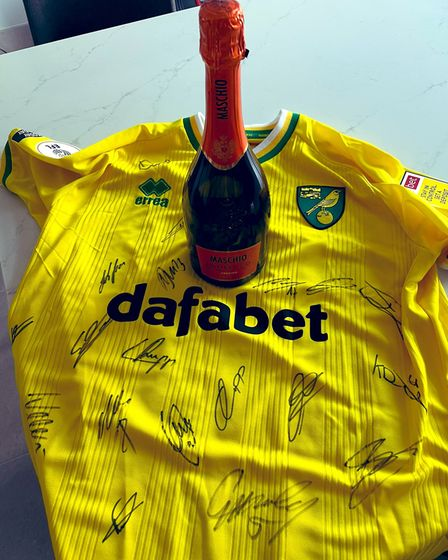 Sky Sports Bianca Westwood and Norwich shirt