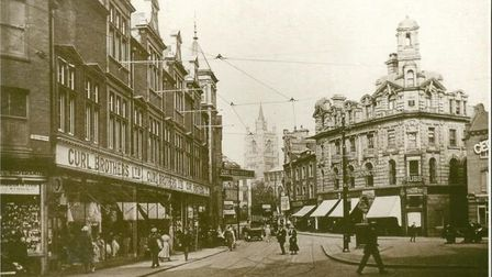 Curls in the heart of Norwich 100 years ago. Picture: Archant Library