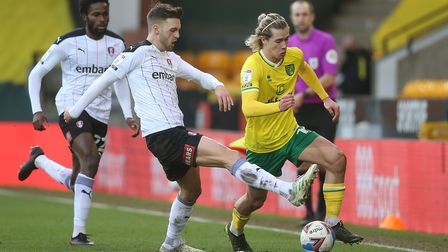 Lewis Wing of Rotherham United and Todd Cantwell of Norwich in action during the Sky Bet Championshi