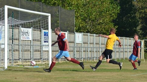 Eaton Socon Reserves against Great Chishill in Cambs County League