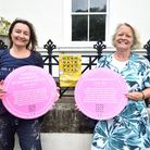 Highgate Festival pink plaques. Organisers Alicia Pivaro and Catharine Wells with two of the 2020 plaques, commemorating Angela Georgina Burdett-Coutts, and Harriet Mellon.