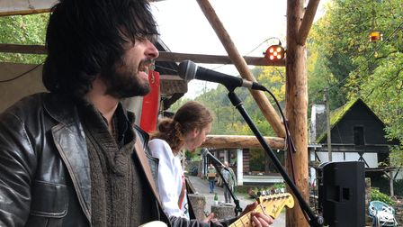 Will Fairhead and The Gulls play an outdoor gig in Brandengrabenmuhle in Germany