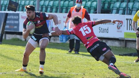 Saracens' Sean Maitland scores the first try of the game during the Greene King IPA Championship mat