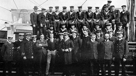 Crew of the Discovery British Antarctic Expedition - Tom Kennar is on the back row, fifth from left.