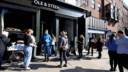 Ole & Steen opens a new branch at 38-40 Hampstead High Street NW3 on 22.03.21. Staff give out free s