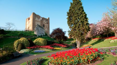 Built around 1066 Guildford Castle is set in Surrey, England. Beautiful traditional English gardens