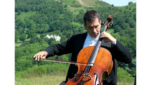 Cellist Peter Adams