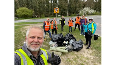 Jason Alexander with the Chantry Wombles ata litter pick today