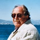 Frank Streek in Greece in the year 2000