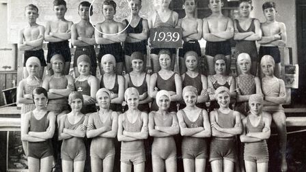 Frank Streek with his swimming team in 1939