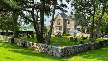 Outside dining on the lawns at Yorebridge House in Wensleydale