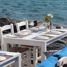 Al fresco dining by the sea. Cornwall has plenty of beachside dining options