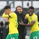 Norwich Head Coach Daniel Farke and Alexander Tettey of Norwich at the end of the Sky Bet Championsh
