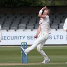 Ben Allison in bowling action for Essex during Essex CCC vs Worcestershire CCC, LV Insurance County