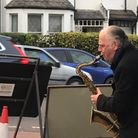 Dave Lewis performing in Coniston Road