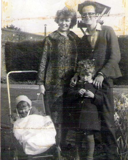 Pete Perry with his late wife Dorothyand daughters Vivien and Deborah in1967, just months before Dorothy's passing