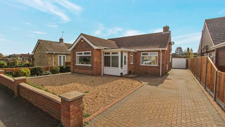 Spacious bungalow with parking