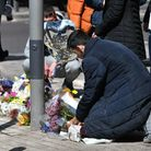 People place tributes