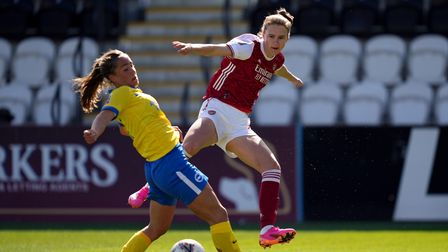 Arsenal's Vivianne Miedema (right) and Brighton and Hove Albion's Maya Le Tissier during the FA Wome