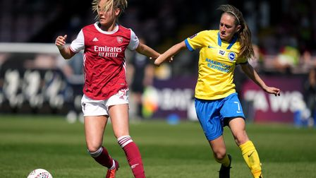 Arsenal's Jill Roord (left) and Brighton and Hove Albion's Aileen Whelan battle for the ball during