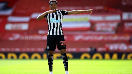 Newcastle United's Joe Willock celebrates scoring in the closing stages to level the score at 1-1 du