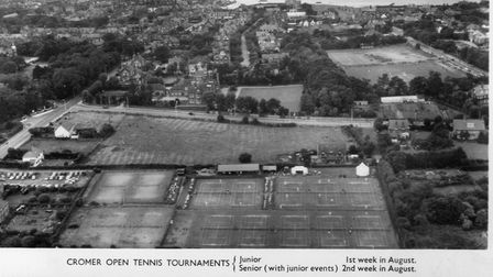 An earlyaerial image of Cromer Tennis Courts, as viewed from above.