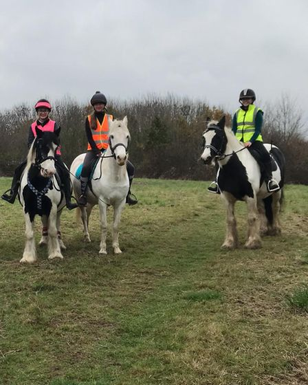 Friends Kelsey (l), Mollyand Niamh (r) out riding
