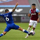 Everton's Allan (left) and West Ham United's Jesse Lingard battle for the ball during the Premier Le