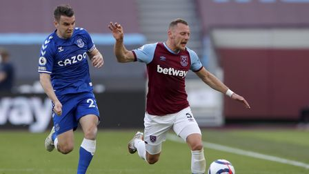 Everton's Seamus Coleman (left) and West Ham United's Vladimir Coufal battle for the ball during the