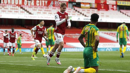 Arsenal's Emile Smith Rowe celebrates scoring their side's first goal of the game during the Premier