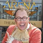 Panto legend Bob Golding will be taking part in a coffee morning for Mental Health Awareness Week.