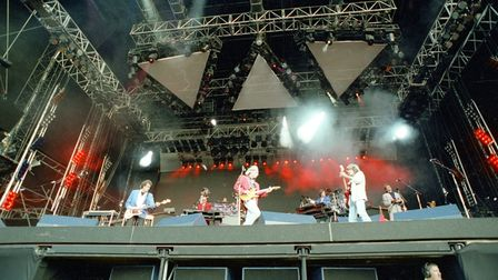 Impressive stage and lighting for the Dire Straits concert in 1992