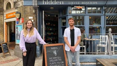 Georgina McGivern, Camden Clean Air programme manager, and Luke Candler, partnerships executive for hospitality businesses