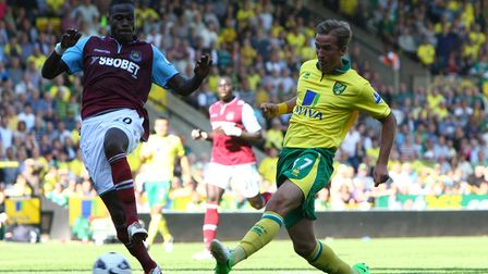 Picture by Paul Chesterton/Focus Images Ltd +44 7904 64026715/09/2012Harry Kane of Norwich has a
