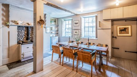 Cosy dining area, kitchen, wine cellar