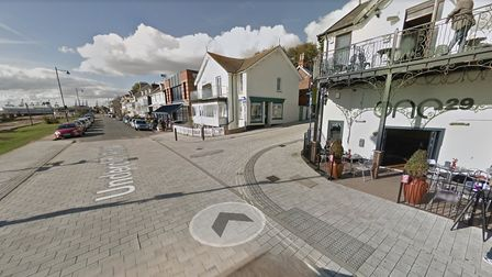 Seafront bars and restaurants look set to be allowed to 'spill out' onto gardens next to the prom at Felixstowe