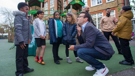 London Walking and Cycling Commissioner Will Norman speaking to children at Gayhurst School.