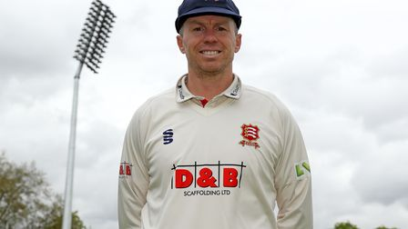 Peter Siddle of Essex wears his new county cap