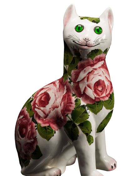 A Wemyss pottery cat. Sold for £980 sold by Bearnes Hampton & Littlewood