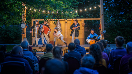 The Three Inch Fools are coming to Knebworth House for a performance of Romeo & Juliet.