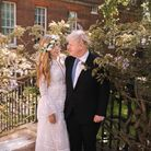 Boris Johnson poses with his wife Carrie in the garden of 10 Downing Street following their wedding at Westminster Cathedral