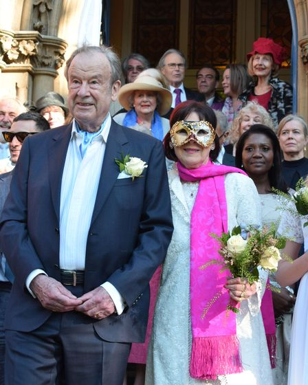 The wedding of Marjorie Wallace-Skarbek and John Mills at Pond Square Chapel Highgate 29.05.21.Coup