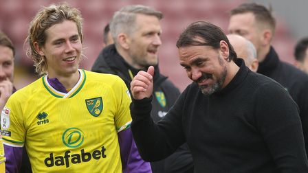 Todd Cantwell of Norwich and Norwich Head Coach Daniel Farke at the end of the Sky Bet Championship
