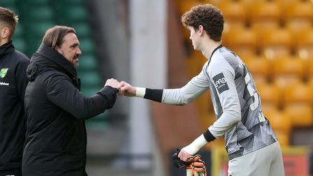 Daniel Barden has signed a new contract with Norwich City.