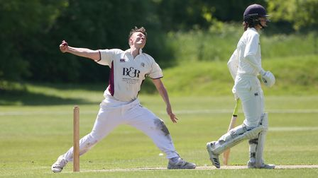 J Warner in bowling action for North Middlesex during North Middlesex CC (fielding) vs Richmond CC,